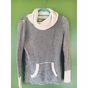 Old navy cotton cow knit turtleneck grey and cream